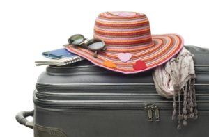 Dicas para preparar a mala de viagem e aproveitar o feriadão