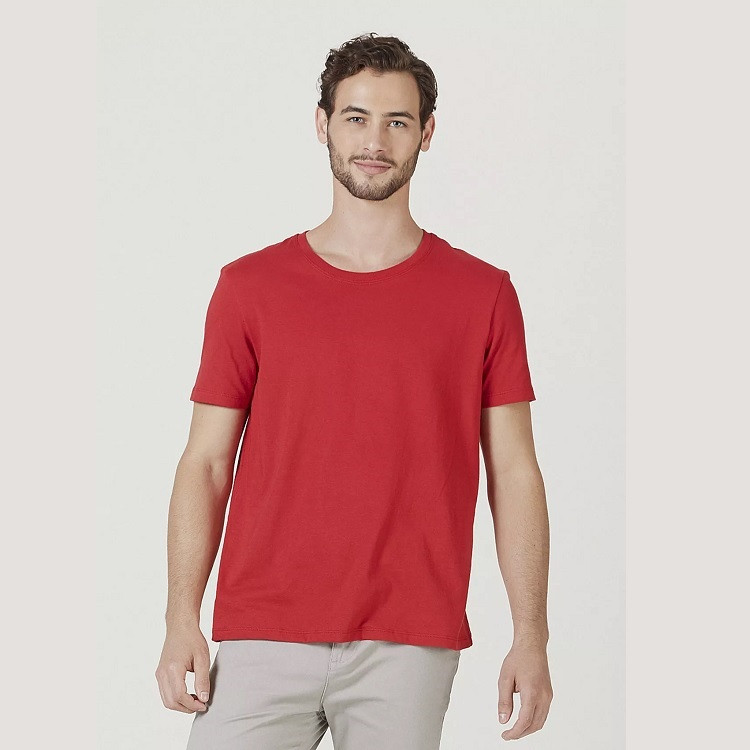 camiseta-hering-masculina-básica-mangas-curtas-world-tamanho-m-vermelha