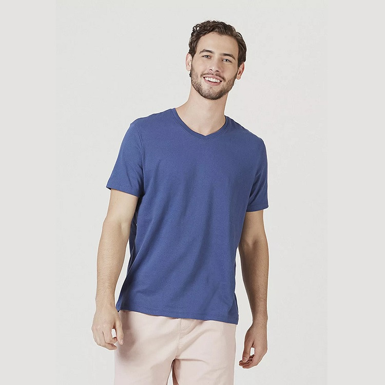 camiseta-hering-masculina-básica-com-decote-v-world-xg-azul