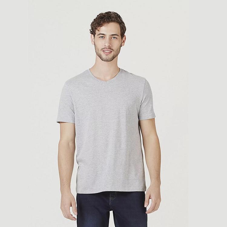 camiseta-hering-masculina-básica-com-decote-v-world-m-cinza