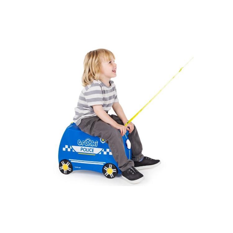 mala-trunki-carro-de-polícia-tamanho-p-azul-detalhe-criança-sendo-puxada