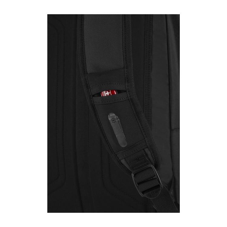 mochila-victorinox-almont-original-standard-backpack-preta-detalhe-bolso-na-alça