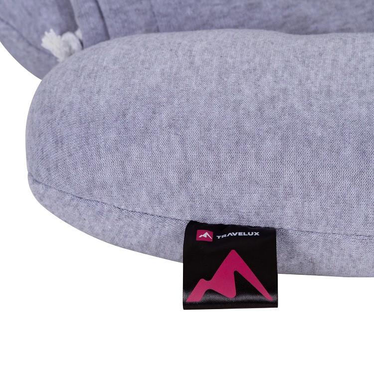 travesseiro-com-capuz-relax-travel-cinza-detalhe-etiqueta