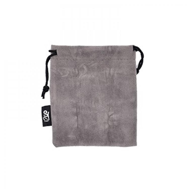 adaptador-de-tomada-i2GO-universal-preto-detalhe-bolsa-premium