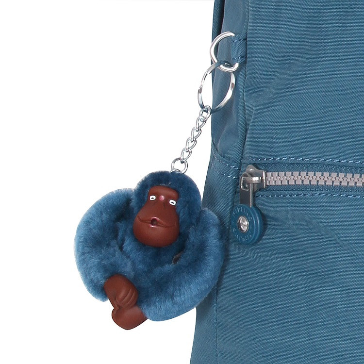 mochila-kipling-emery-azul-escuro-detalhe-chaveiro