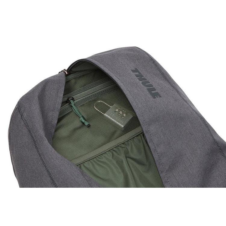 mochila-thule-vea-17l-detalhe-compartimento-bolso-interno