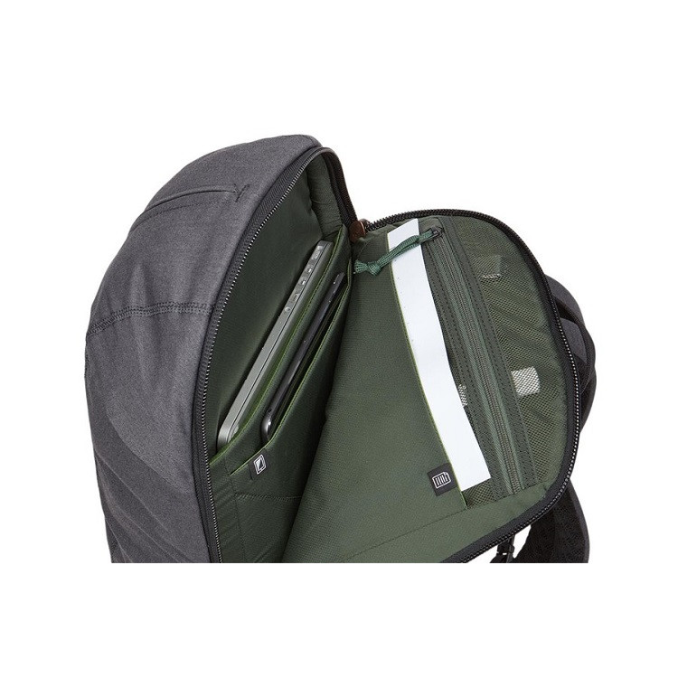 mochila-thule-vea-17l-detalhe-compartimento-notebook