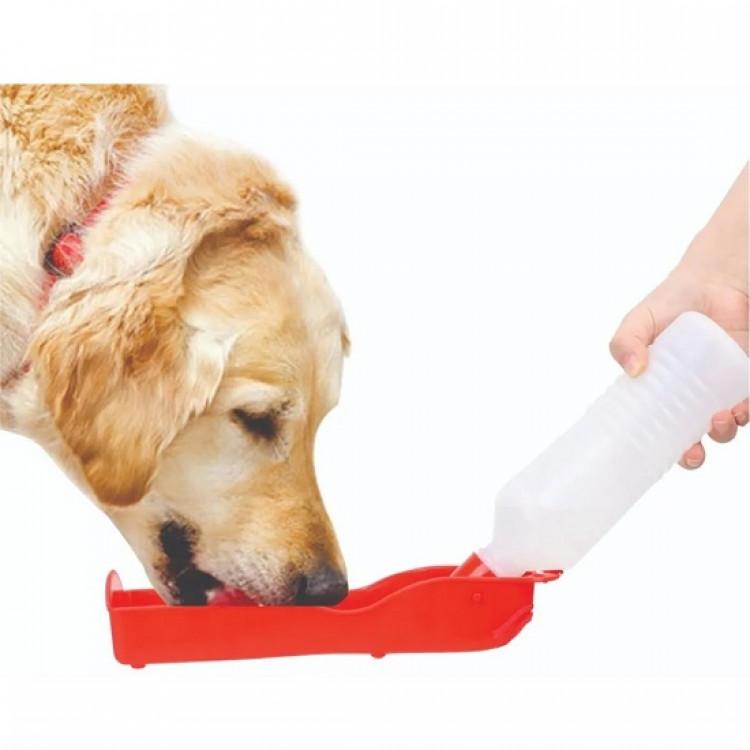 bebedouro-portátil-para-cães-240-ml-western-pet-cachorro-bebendo